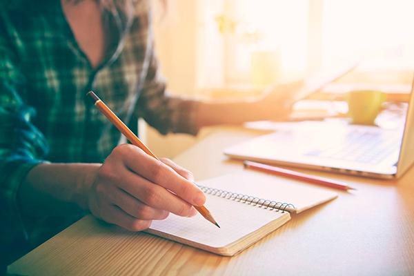 Brindes para dia do trabalhador: 5 ideias para sua empresa
