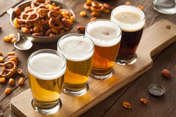 Entenda o que é e o que faz um sommelier de cerveja
