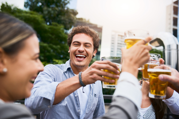 Sem perrengue no seu evento: descubra como gelar bebida rápido!