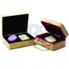 Brindes Personalizados - Caixa para baralhos ou uso diversos, n�cessaire tipo maleta com fecho focada, fabricados em MDF ecol�gico e podem ser personalizados. Sua marca oferec...