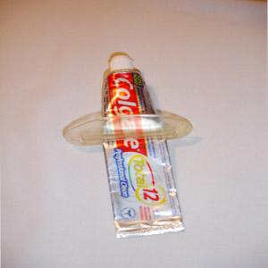 Wigon - Economizador de pasta de dente com gravação personalizada.