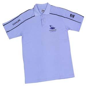 b564677d8 Camisa pólo com recortes nos ombros e frisos nas mangas ...
