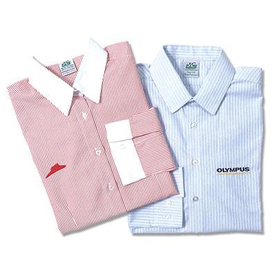 Camisa social de manga longa. Opções: feminino e masculino.