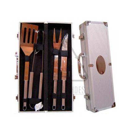 - Kit Churrasco com maleta e 4 peças personalizado Medida Aproximada: 38 x 11 x 7cm