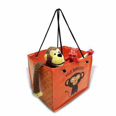 Porta brinquedo dobrável, com forro e ilhós. Medidas: 30cm(L) x 26cm(A) x 26cm(F)
