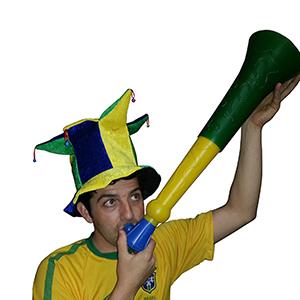 Brinde Natalino - Corneta nas cores do Brasil, com 62 cm e alto padrão de sonoridade