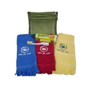 CZK brindes - Kit bucal personalizado, com necessaire, toalha, pasta e escova.