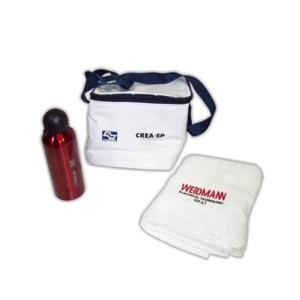 czk-confeccoes - Kit personalizado com squeeze, bolsa térmica e toalha.