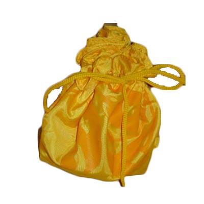 Embalagem - Trouxinha personalizada em nylon 70. Pode-se alterar cor, material e tamanho.