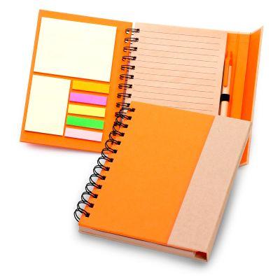 marca-laser - Caderno de anotações personalizado, em espiral capa dura na cor laranja com fechamento através de ímã na aba externa.