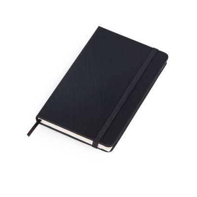 Caderno de anotações capa rígida na cor preto fosco, 80 folhas pautadas cor creme. Marcador de páginas em cetim e elástico para fechamento na cor preta