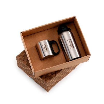 Marca Laser - Caixa personalizada para presente, com caneca em aço inox 200 ml e squeeze em aço inox 600 ml.
