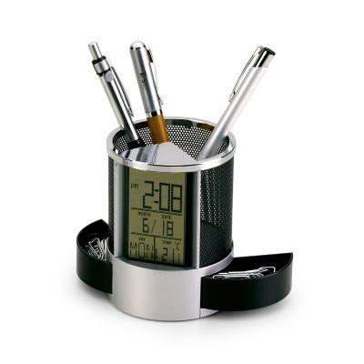 Marca Laser - Porta-canetas e clips personalizado em alumínio / plástico com relógio digital, calendário e temperatura - Medidas: 110 x 81 x 81 mm. Incluso 02 bater...