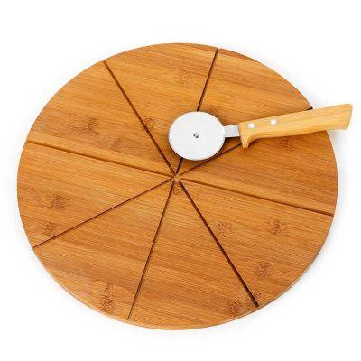 Marca Laser - Tábua para pizza personalizada em bambu com os cortes da pizza e cortador em bambu / aço inox - Medidas: 350 x 12 mm.