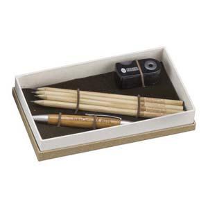 Faber-Castell - Kit Eco Personalizado - Excelente custo benef�cio, com o kit Eco � poss�vel escolher o modelo de caneta para compor o kit que j� vem com 4 EcoL�pis gr...
