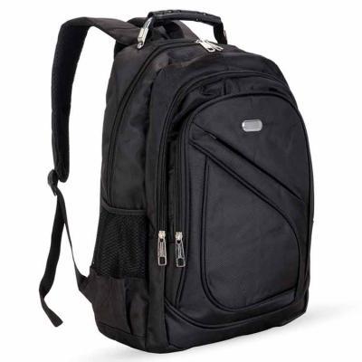 Mochila nylon poliester para notebook. Possui compartimento grande com bolso interno para noteboo...