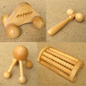 Massageadores de madeira, diversos modelos personalizáveis.