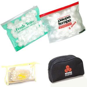 Madson Brindes - Necessaire em PVC transparente ou cores com zíper.