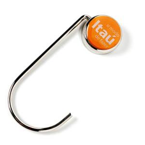 Porta bolsa em metal cromado, com base oval ou redonda.