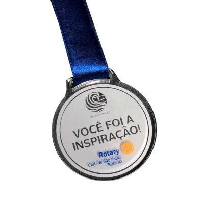 Medalhas produzidas em acrílico, recortas e personalizadas com gravação digital, laser ou serigra...