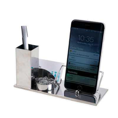 - Kit-Escritorio-4-em-1  Material inox espelhado, suporte para cartões, canetas, clips e celular. Medidas aproximadas para gravação (CxL):  2 cm x 10 cm...