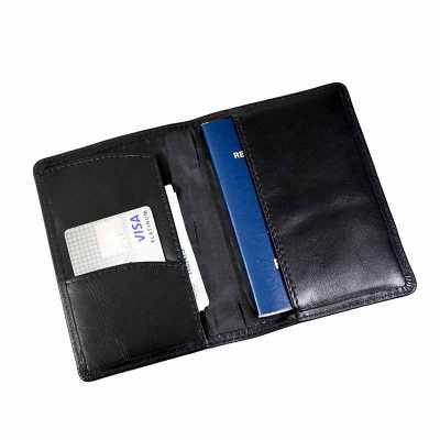 Capa de passaporte personalizada em couro - Maria Coura