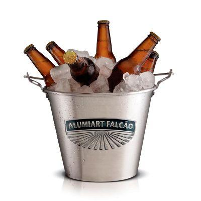 Balde de gelo para bebidas personalizado, confeccionado em aço com alça para transportar. Sua marca presente na casa de seus clientes com um produto d... - Alumiart Falcão
