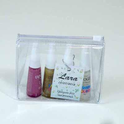 brindes-da-terra - Kit nécessaire de PVC cristal com esmaltes personalizados.