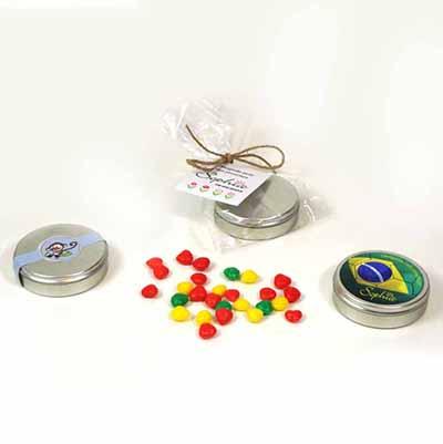 brindes-da-terra - Mini latinhas personalizadas com balinhas especiais.