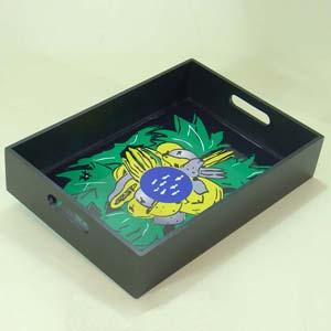 brindes-da-terra - Bandeja de madeira com acabamento especial em pintura e verniz com estampas exclusivas e personalizadas.