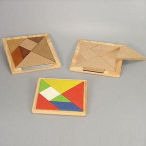 Jogo Tangran em MDF com acabamentos natural cru, pintado ou tingido escurecido. Personalização em Silk Screen.  Dimensões: 12 x 12 - Brindes da Terra