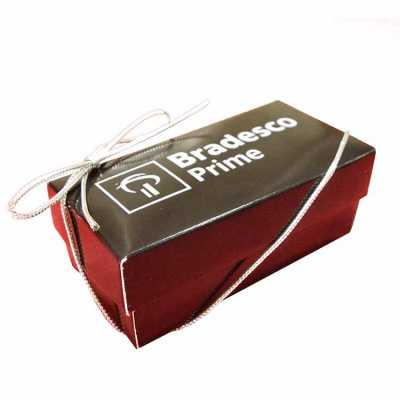 Caixa luxo com 2 bombons personalizada - Doce Pecado Chocolates Especia...
