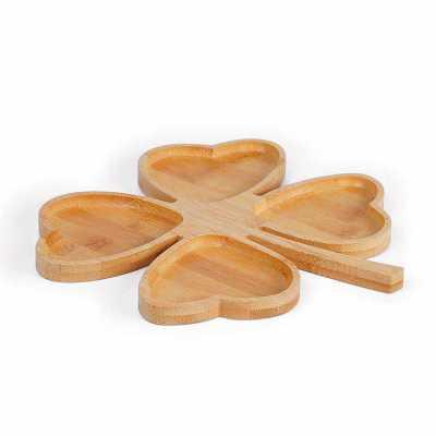 Petisqueira em bambu formato de trevo personalizada