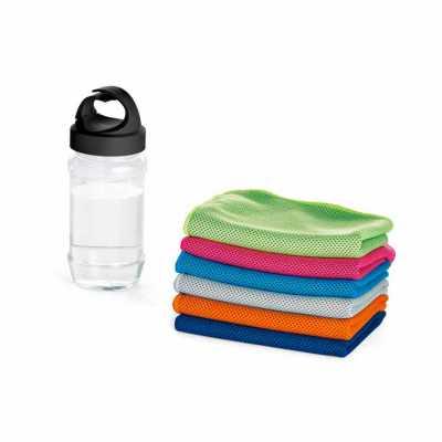 Conjunto de toalha e garrafa personalizado