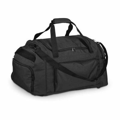 Resistente e disponível na cor preta, a bolsa esportiva é fabricada em Poliéster 300D, possui bol...