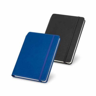Desenvolvido em material sintético, com capa dura, o produto vem com porta esferográfica e 96 fol...