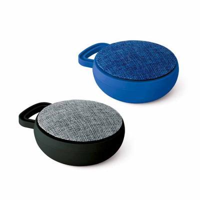 Além de seu uma excelente opção de brinde promocional, a caixa de som personalizada interage via ...