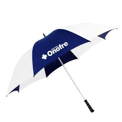 Muito utilizado em eventos e recepções, nosso guarda-chuva modelo portaria ou tamanho família per...