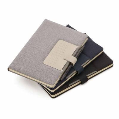 Com capa dura almofadada, o produto vem com suporte para caneta e miolo de 80 folhas pautadas na ...