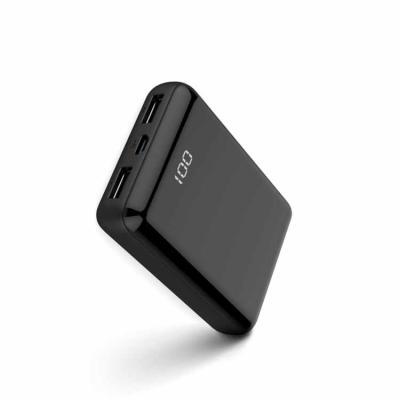 O carregador portátil vem com visor digital de LED e saída USB compatível com diversos tipos de s...
