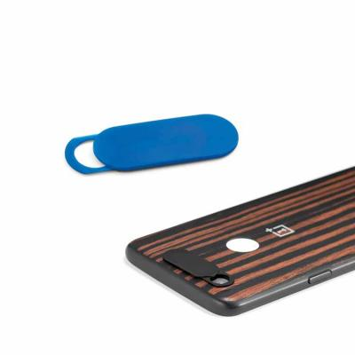 Desenvolvido em plástico, o produto tem adesivo e mecanismo de abre e fecha e conta com embalagem...