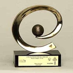 Formas do Fogo - Troféu Personalizado - Modelo Arroba com bola de golfe.