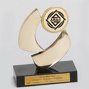 formas-do-fogo - Troféu personalizado com medalha para aplicação de logotipo.