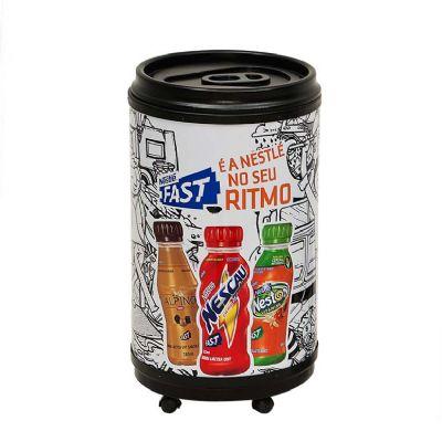 Cooler grande para 75 latas de 350 ml ou 124 latas de 250 ml.