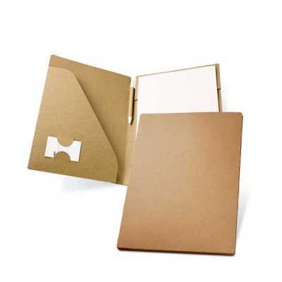 Pasta A4. Cartão: 450 g/m². Bloco: 20 folhas não pautadas de papel reciclado. Incluso esferográfi...