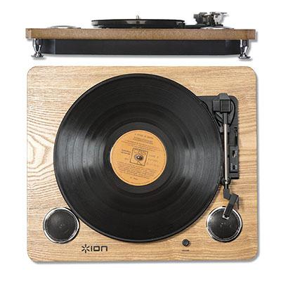 Toca-Discos Vinil ION com alto-falantes, conversão para o formato digital e saída RCA.