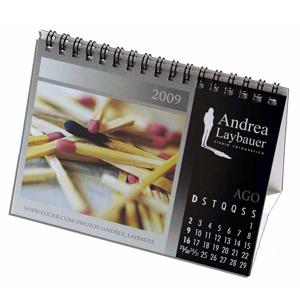 dz9-grafica - Calendário de Mesa Personalizado - Medidas: 11 x 15 cm - 6 ou 12 laminas em 4 cores.