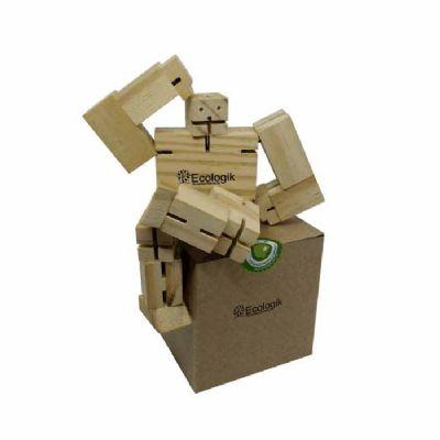 - Um cubo que transforma-se em robô em madeira super articulável, gerando inúmeras poses simpáticas e engraçadas!  Acompanha caixa em kraft.