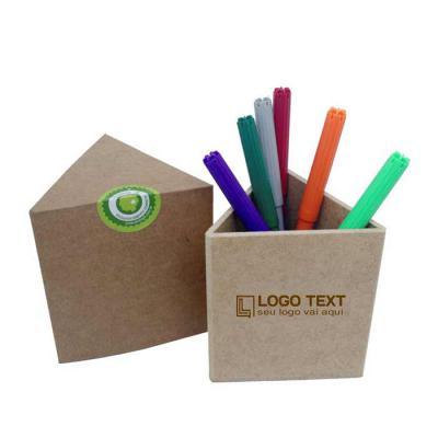 ecologik-sustentaveis - Porta-lápis triangular. Produzida em material 100% proveniente de reflorestamento.Gravação de logomarca no sistema Hotstamping sem emissão de CO². Pro...