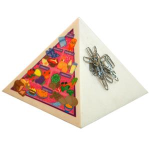 Polo Art - Porta clipes estilizado em formato de Pirâmide.